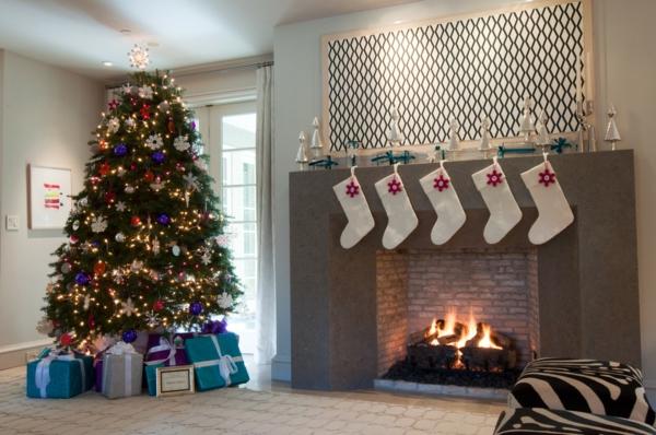 Girlanden Weihnachten christbaum geschenke