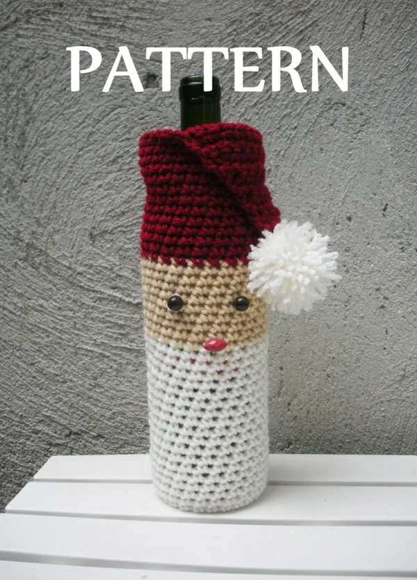 flaschendeko zu weihnachten weihnachtsschmuck aus recycelten flaschen. Black Bedroom Furniture Sets. Home Design Ideas