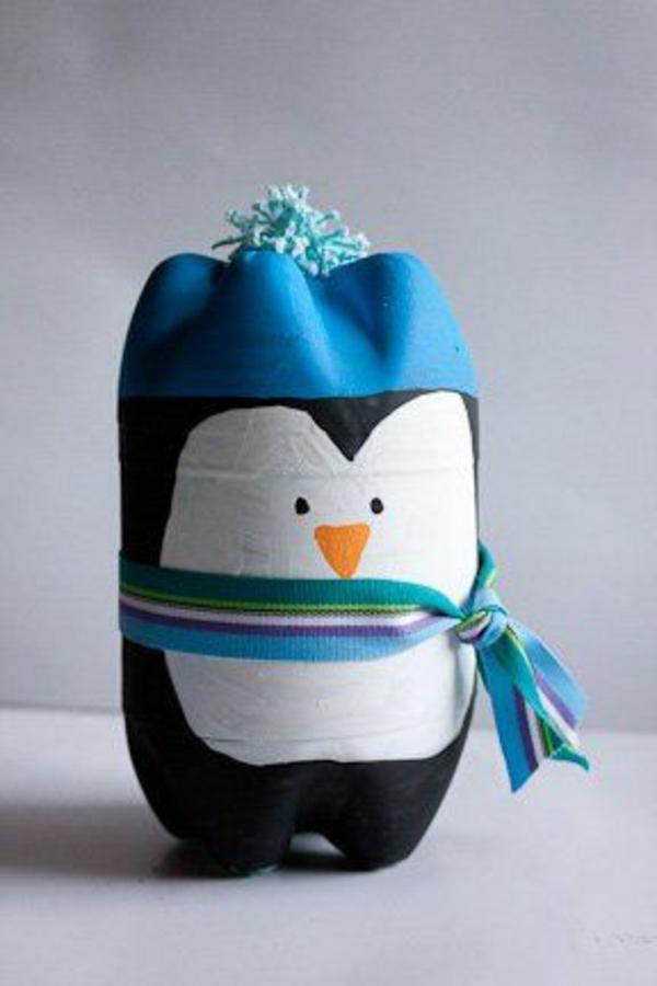 Flaschendeko blau Weihnachten spray pinguin