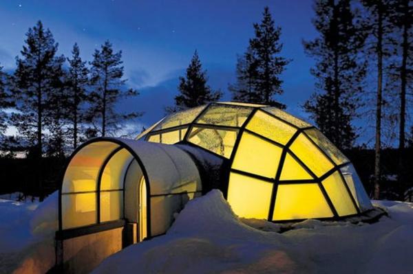 Hotel Kakslauttanen winter schnee glas
