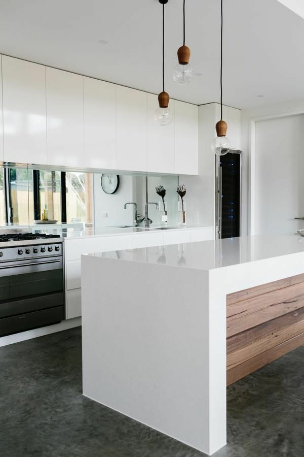 moderne kchen mit kochinsel kochinsel mae beleuchtung - Weisse Kueche Mit Kochinsel