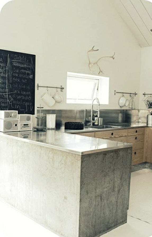 Moderne Kochinsel Kombiniert Funktionalitat Und Design Einem, Kuchen Dekoo