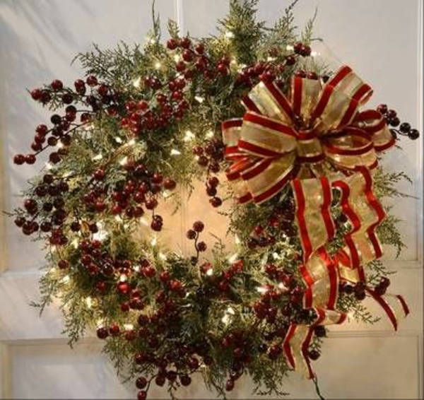 Elegant Wreath Decorating Ideas Pictures Compilation