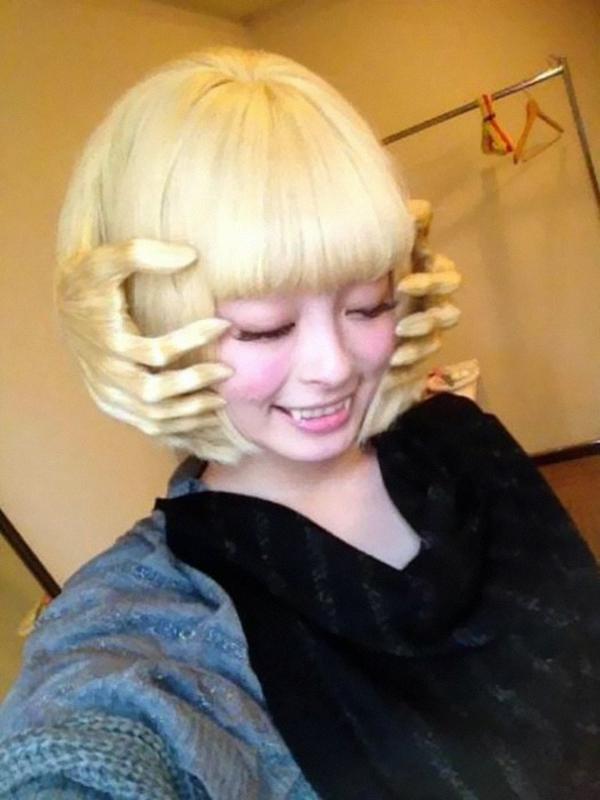 lustige Frisuren Fotos schöne Haarschnitte blond kurz