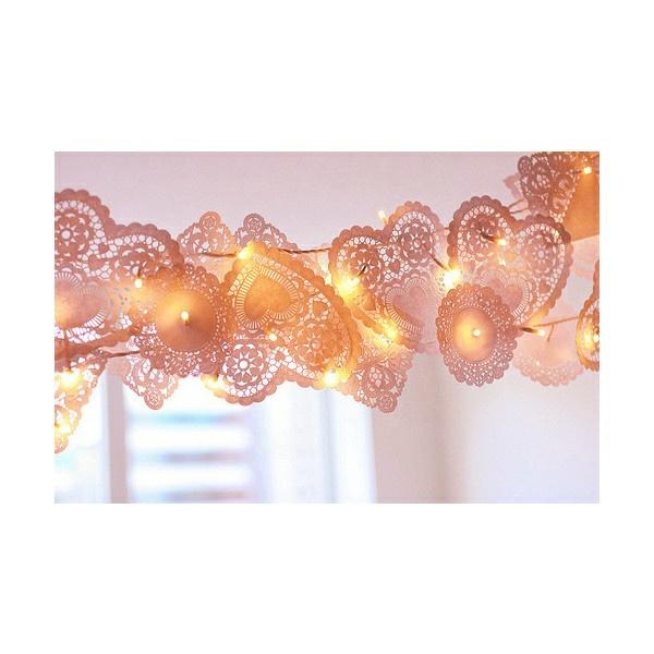 Weihnachtsbeleuchtung und LED Lichterketten für Innen papier herzen