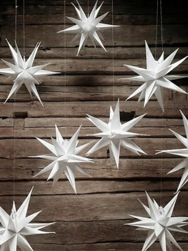 Weihnachtssterne aus papier selber basteln vorlagen kinder hängend deko