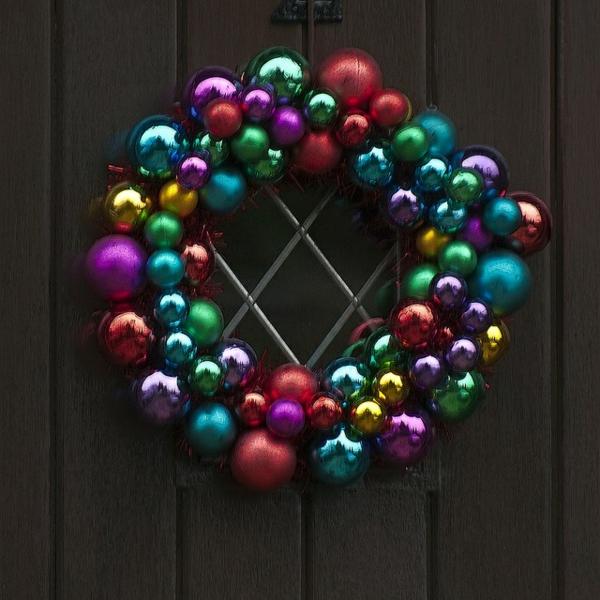 adventskranz selber basteln weihnachtsdeko weihnachtskugeln adventskranz hängend