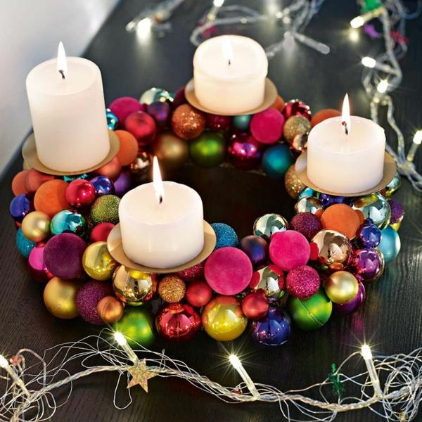adventskranz selber basteln weihnachtsdeko weihnachtskugeln