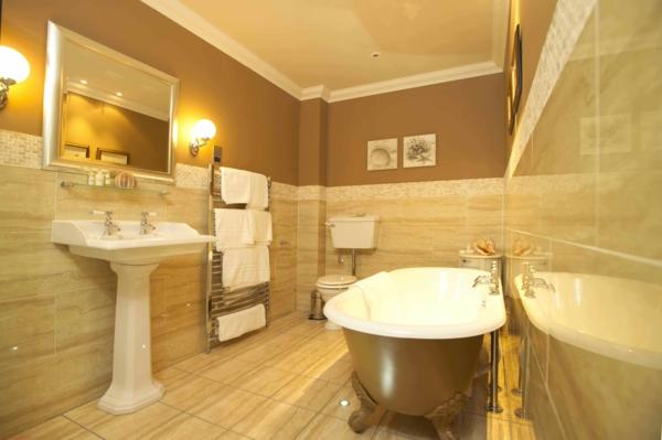badezimmergestaltung badezimmerfliesen freistehende wanne