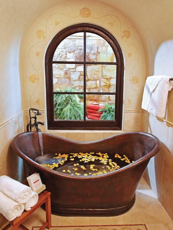 badezimmer gestaltung badezimmerfliesen kupferfarbene wanne