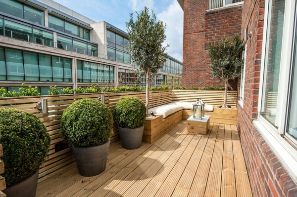 balkon bepflanzen balkonpflanzen buchsbaum