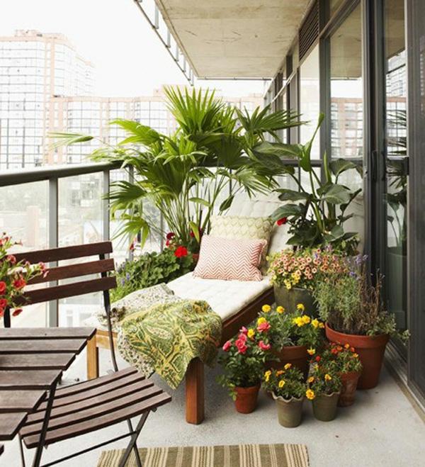 balkon bepflanzen praktische tipps und wichtige hinweise. Black Bedroom Furniture Sets. Home Design Ideas