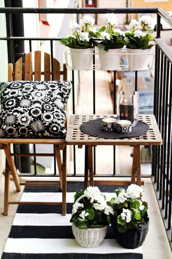 balkongestaltung ideen balkonmöbel holz balkonpflanzen