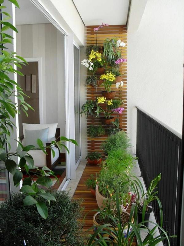 balkongestaltung ideen holzdielen balkon bepflanzen