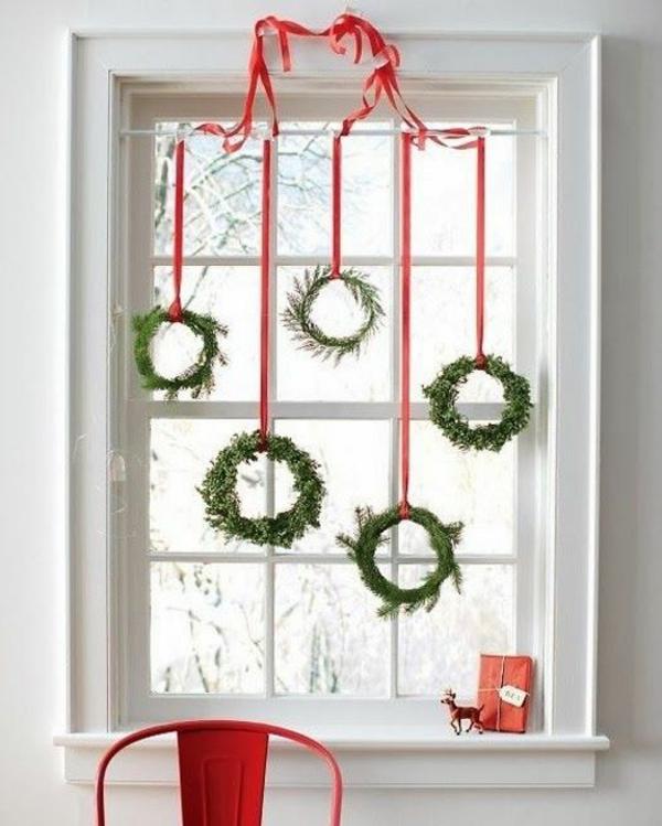 bastelideen für Fenster Weihnachtsdeko kranz grün