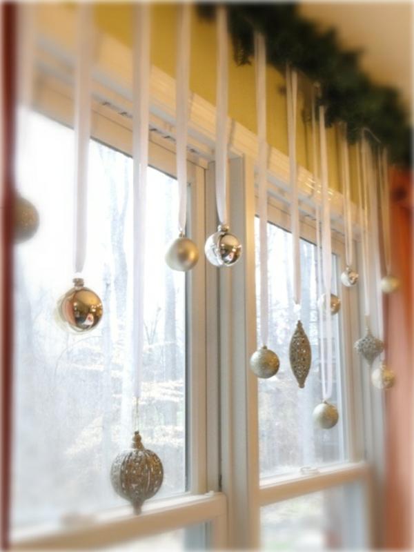 bastelideen Fenster Weihnachtsdeko kugel