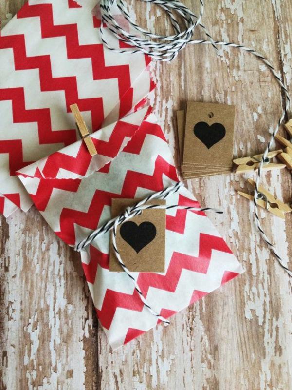 bastelideen für weihnachten weihnachtskarten basteln tüte herz