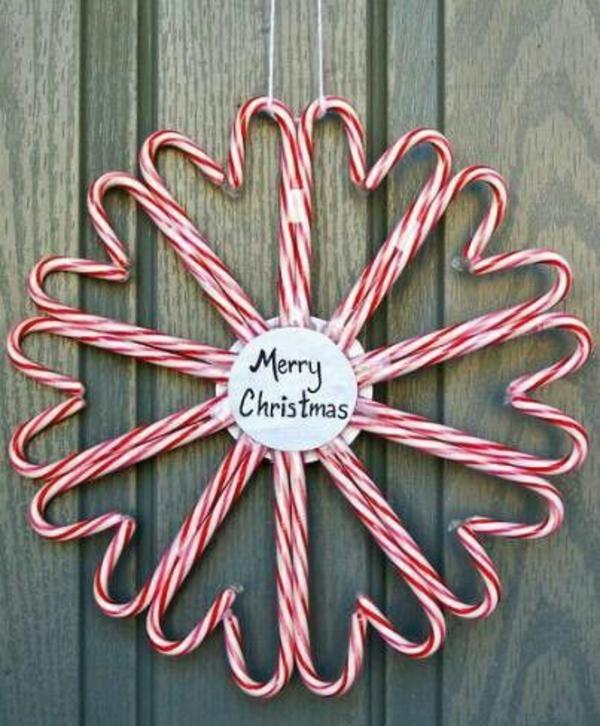 bastelideen zu weihnachten türkranz zuckerstangen