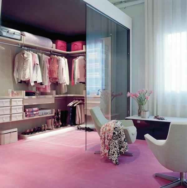 Begehbarer kleiderschrank luxus frau  Luxus begehbarer Kleiderschrank – Bedarf oder Verwöhnung?
