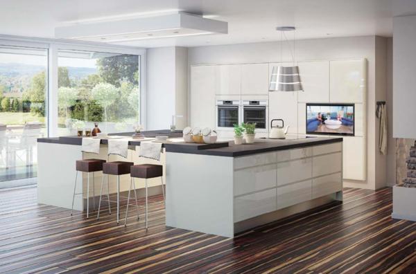 einbauk chen schwellenloser bergang zum wohnbereich. Black Bedroom Furniture Sets. Home Design Ideas