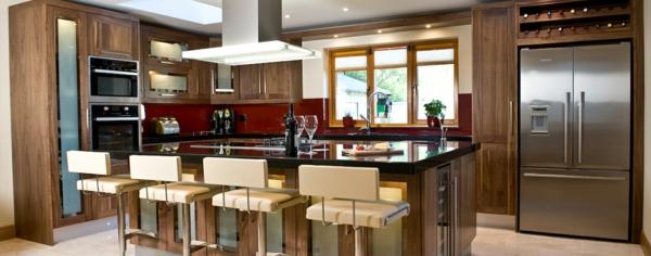 einbauküchen metallglänzende küchengerete kücheninsel