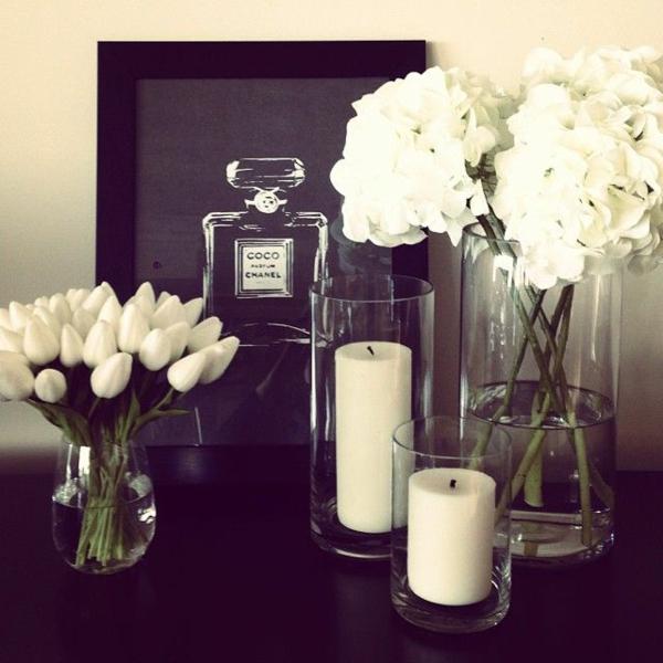 elegante tischdeko mit tulpen komplett in weiß