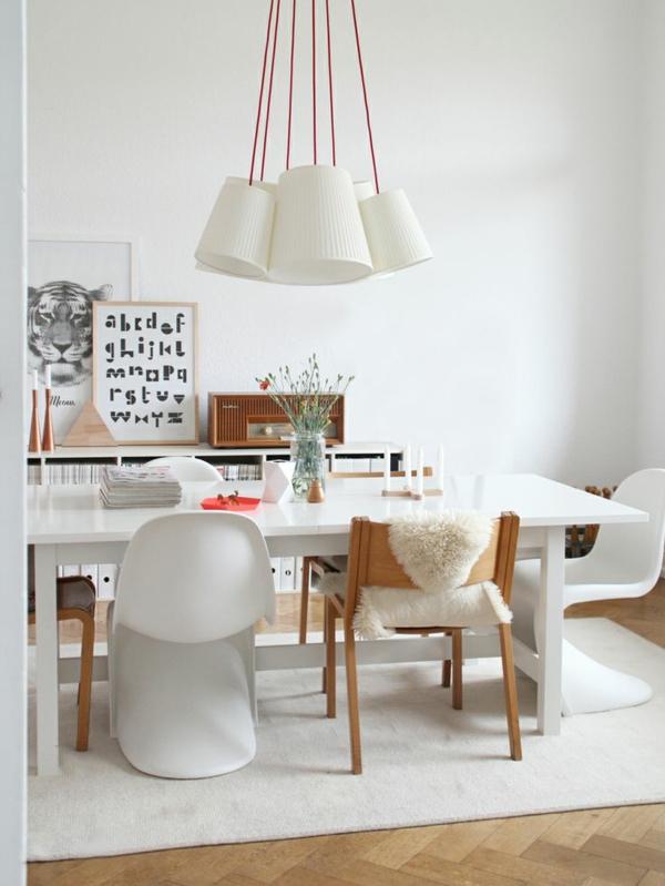 Esszimmertisch Mit Stühlen Skandinavisches Design Pendelleuchten Weiß