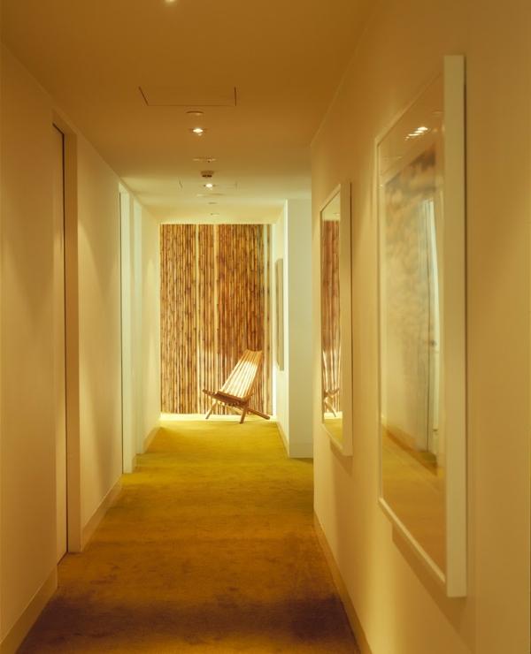 farb gestaltung flur teppichboden bambus