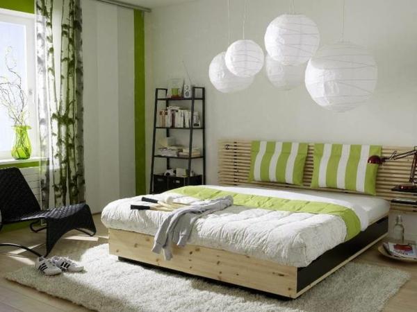 feng shui schlafzimmer farben grün holzmöbel bett teppich verlegen
