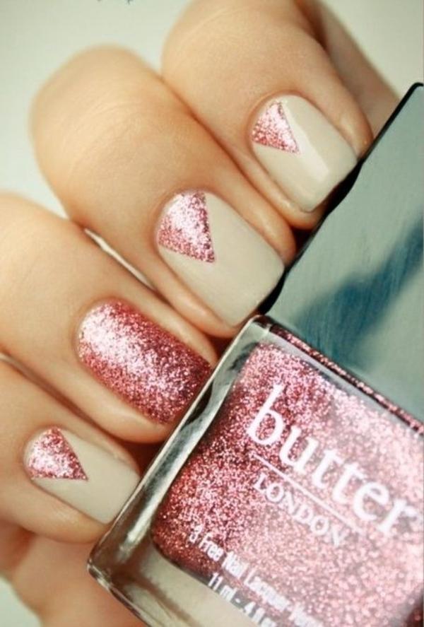 fingernägel bilder schlichte nägel beige rosa glitter