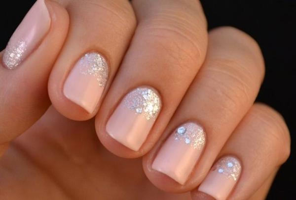 fingernägel bilder schlichte nägel zartes rosa altrosa silber