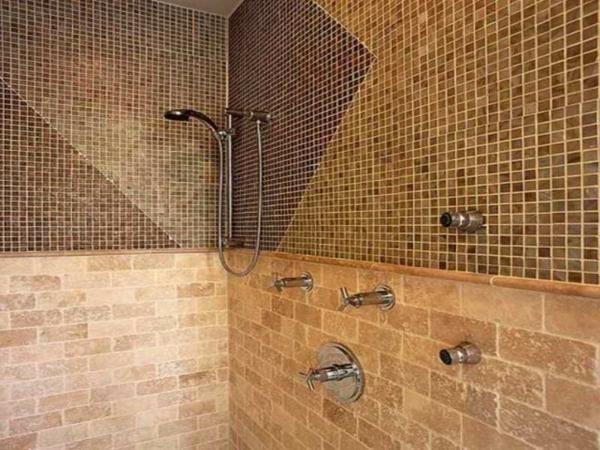 fliesenmuster mosaik badezimmer