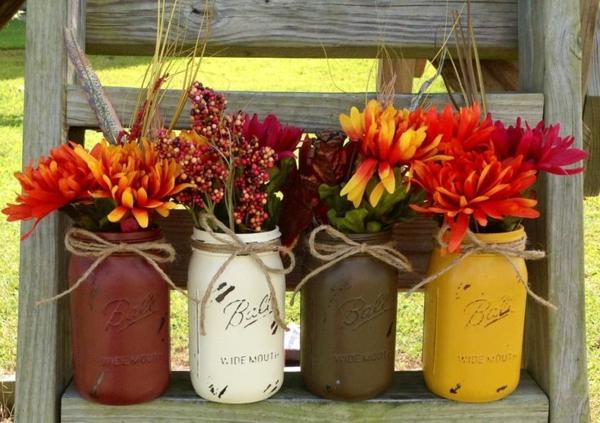 herbstblumen leiter rustikal balkon dekorativ arrangieren