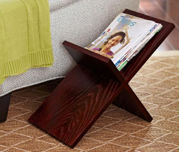 holzregal für magazinen wohnzimmer möbel holzmöbel