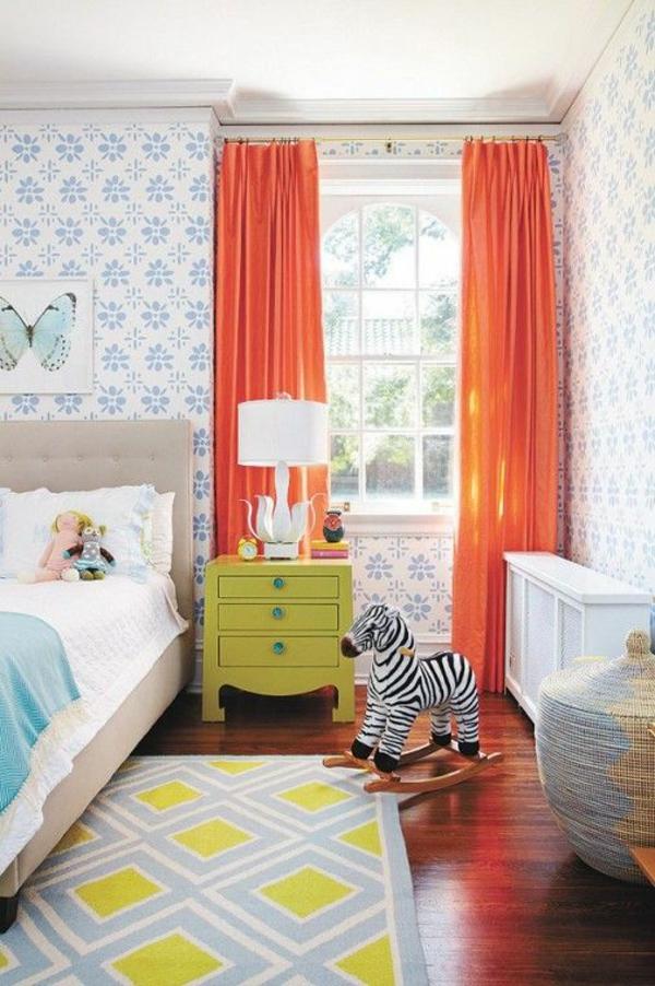 idee kinderzimmer gestaltung apfelgrüner nachttisch orange vorhänge