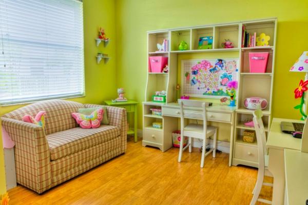 Idee Kinderzimmer Gestaltung Grüngelbe Wand