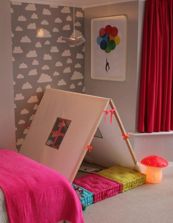 idee kinderzimmer gestaltung rote gardinen pinke decke