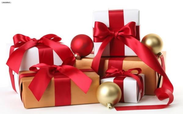 ideen für weihnachtsgeschenke weihnachtskugeln schleifen