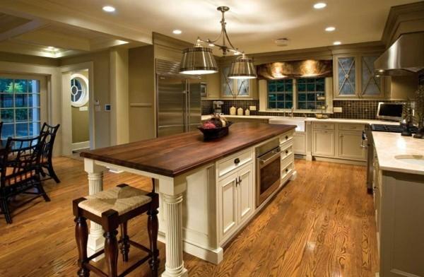 küche mit kochinsel mit stauraum