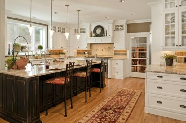 küche mit kochinsel offene küche mit kücheninsel und pendelleuchten