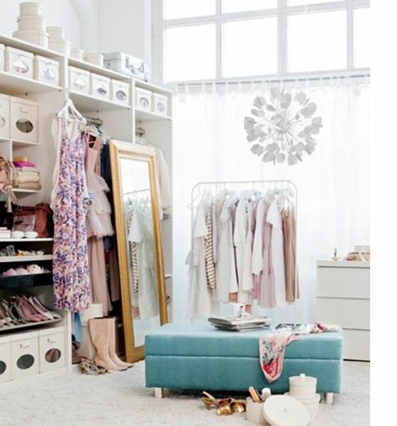 Ankleidezimmer mit fenster ideen  Luxus begehbarer Kleiderschrank – Bedarf oder Verwöhnung?