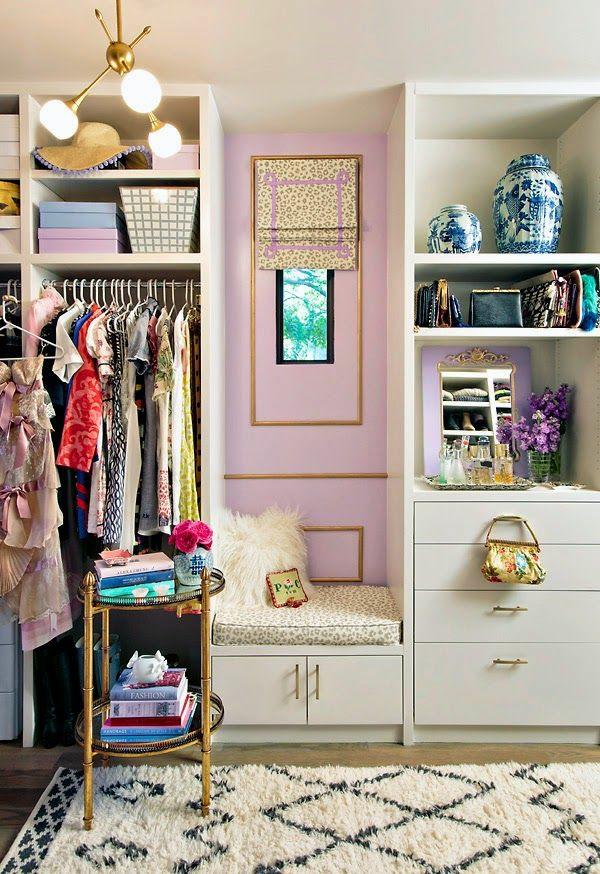 kleiderschrank offen ankleidezimmer ideen luxus rosa wandgestaltung