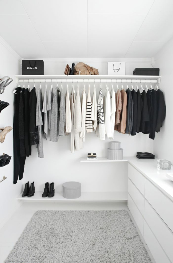 kleiderschrank begehbar selber weiß schwarz stil