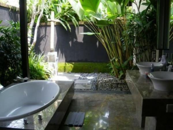 modernes badezimmer ideen palmen