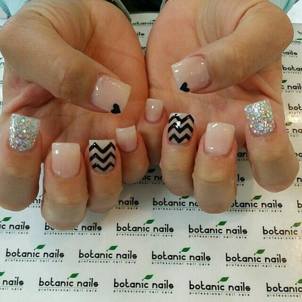 nageldesign muster chevron herzen