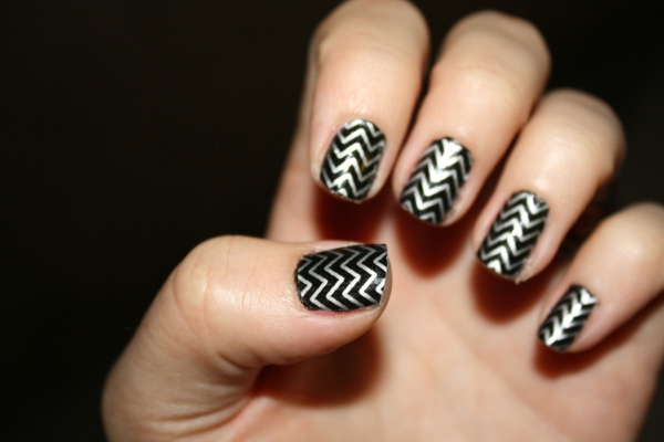 nageldesign muster chevron