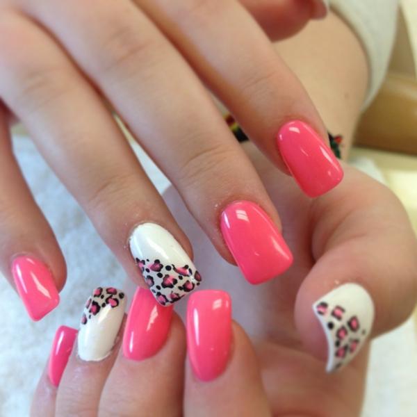fingernägel design pink weiß