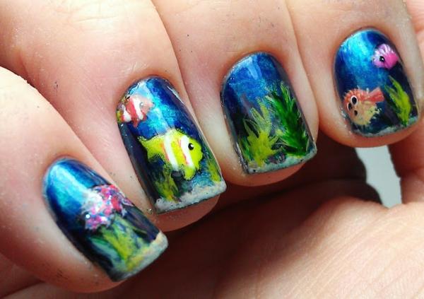 nail art thema meer blau fische nageldesign