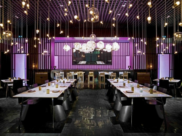 pendelleuchten glühbirnen klein restaurant