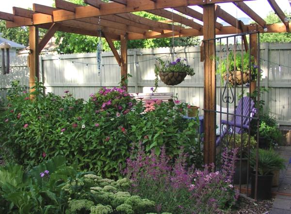 pergola dach terrassenüberdachung pflanzen blumen